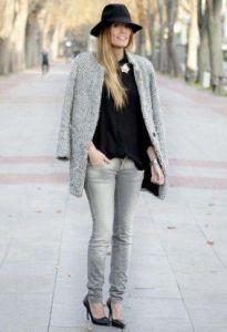 grey jeans www.decharcoencharco.com
