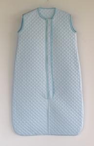 Saco de dormir en piqué guateado azul