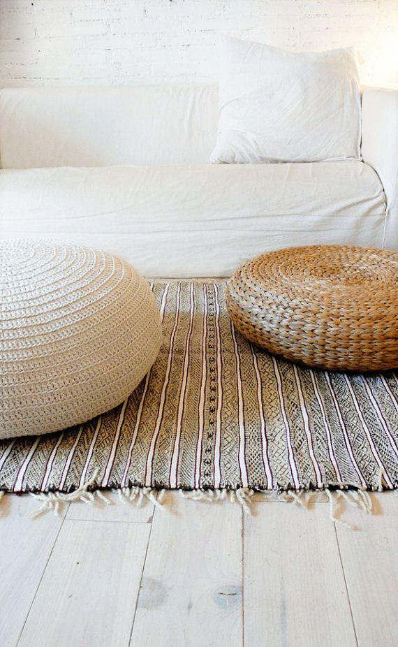 Ideas para dar a tu casa un estilo r stico con - Puff de mimbre ...