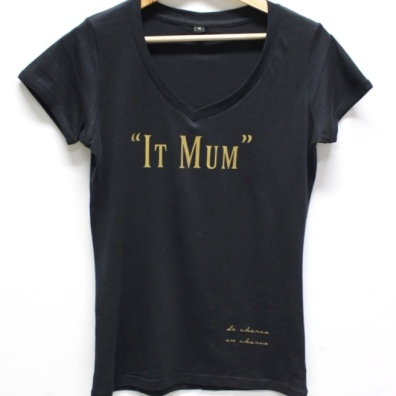 https://www.etsy.com/es/listing/262897563/camiseta-mujer-cuello-pico-it-mum-letras?ref=shop_home_active_21