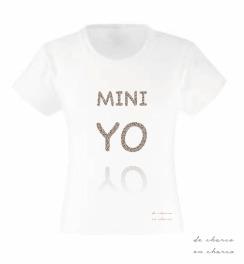 camiseta niña mini yo www.decharcoencharco.com