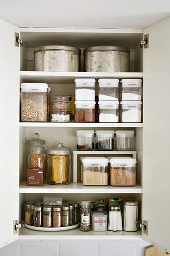 tuppers transparentes prefabricado orden en cocina www.decharcoencharco.com