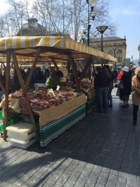Mercado junto al Ayuntamiento