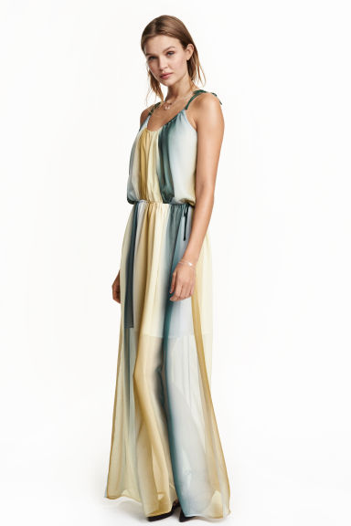 maxi dress hm beige www.decharcoencharco.com