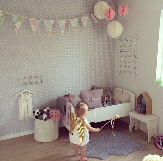Ideas e inspiraci n para decorar la habitaci n del ni o - Papel pared habitacion ninos ...