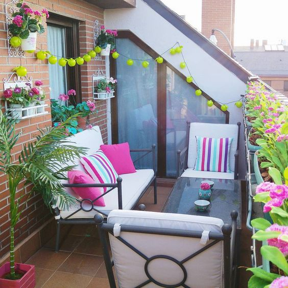 ideas para decorar un balc n por muy peque o que sea On decoracion balcones estrechos