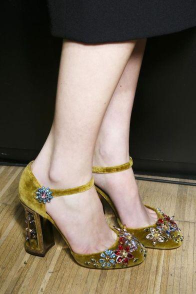 zapatos-terciopelo-otono-invierno-14-www-decharcoencharco-com