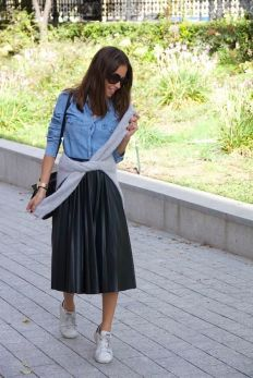 moda-falda-plisada-3-www-decharcoencharco-com